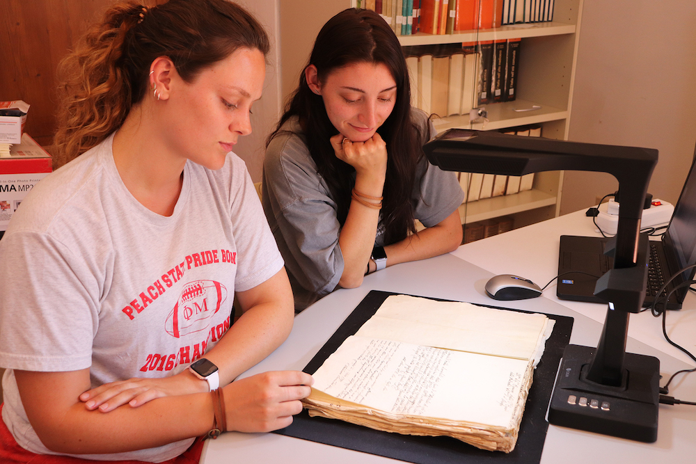 Students at the Montepulciano archives