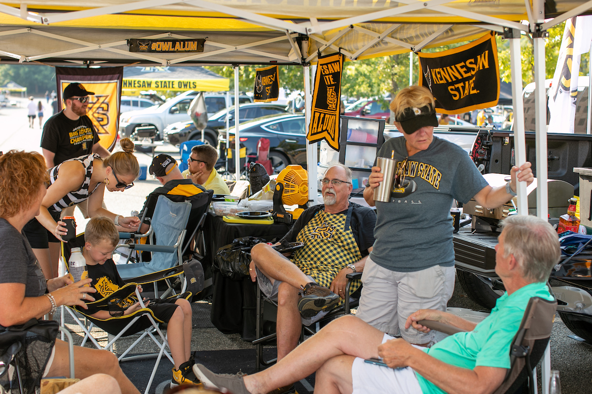Hoot House super tailgaters